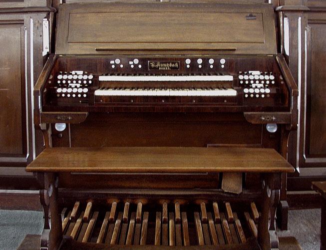 Spieltisch der Orgel Markranstädt